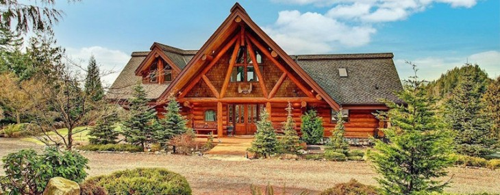 Magnificent Estate With Swedish Log Home On Sale For $1,25 Million