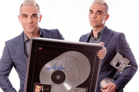 Robbie Williams announces charity auction