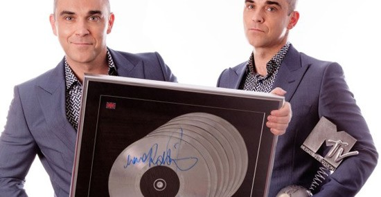 Robbie Williams announces charity auction