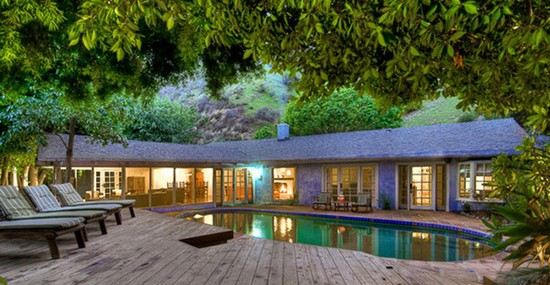 You Can Rent Salma Hayek's Hollywood Hills Villa For $10,000 Per Month