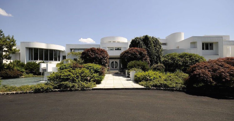 Skyview - Palatial Modernist Residence Listed For $7.9 Million