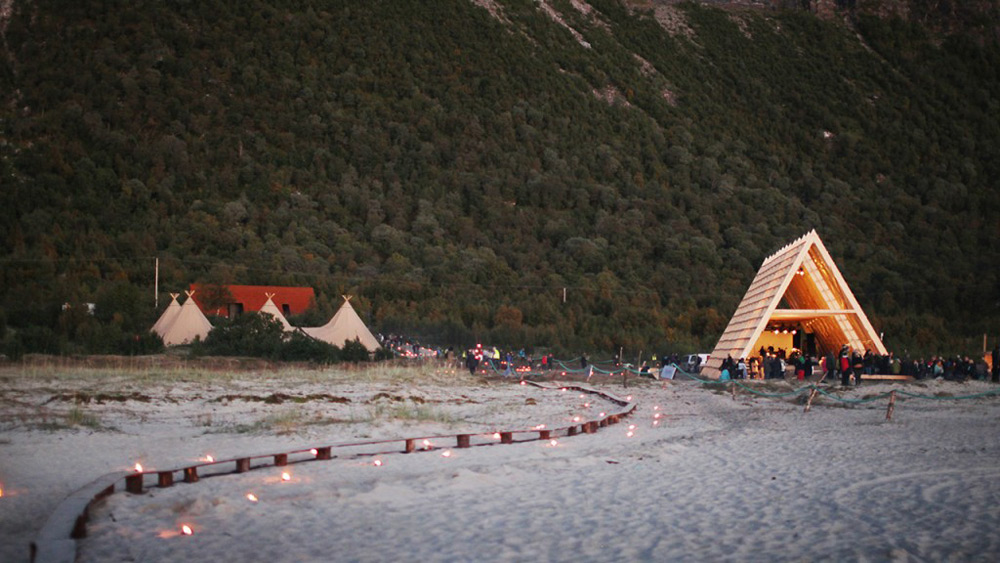 World's Largest Public Sauna Has Opened At The Arctic Circle