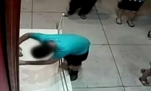 Boy Tripped and Distroyed $1.5 Million Valuable Painting