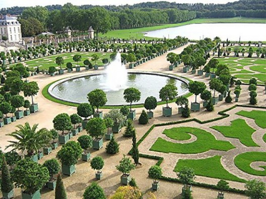 The Chateau de Versailles Will Get Luxury Hotel