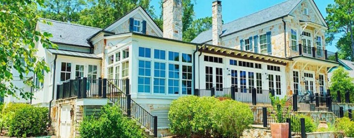 Delightful Lake Clara Residence