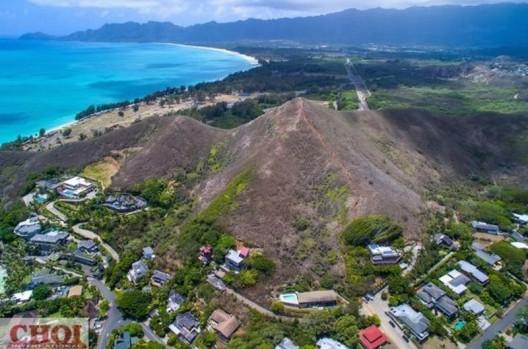 Lanikai Hillside Estate For Sale