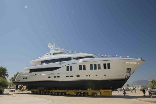 Luxury-yacht-Ruya-2