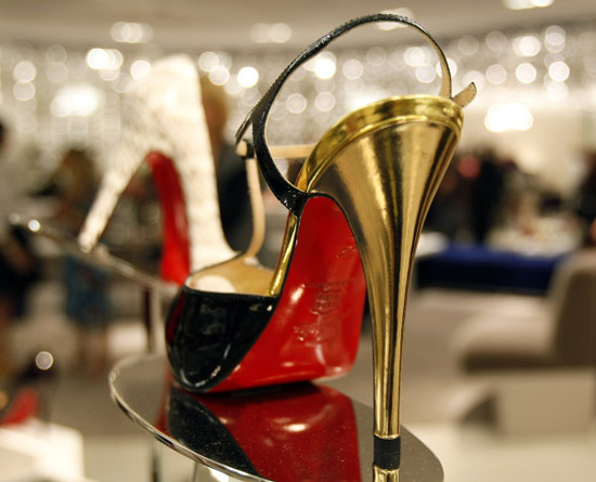 Saks Fifth Avenue to open shoes-only store