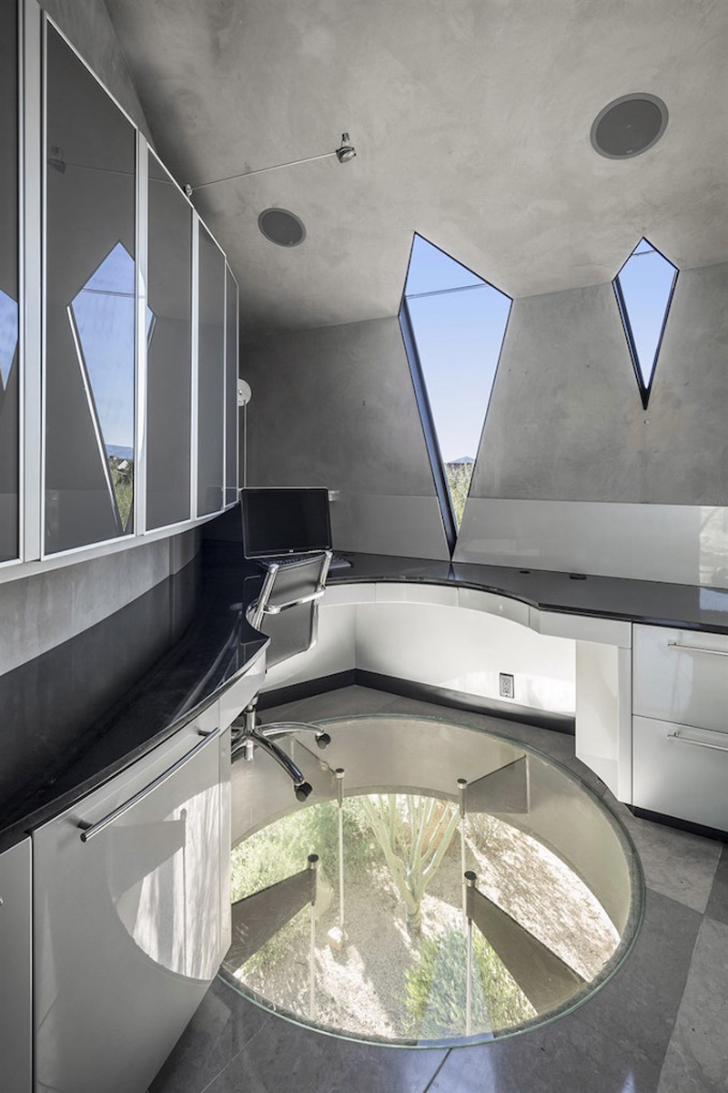 Dramatic Scorpion House In Scottsdale On Sale For 5 5