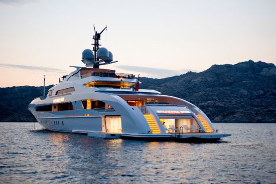 Jay Z Purchased 70 Million Yacht To His Beloved Beyonce Extravaganzi