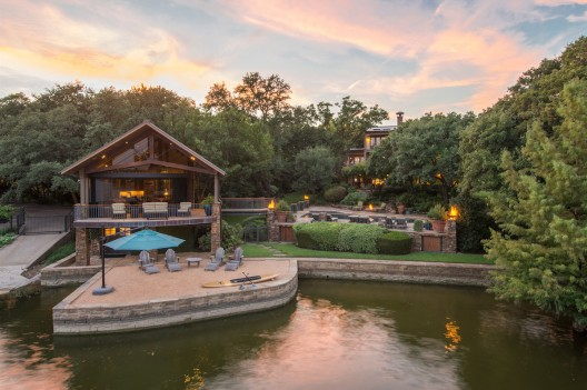 Mariposa del Lago - Lakeside Luxury Texas Family Compound On Sale by Concierge Auctions