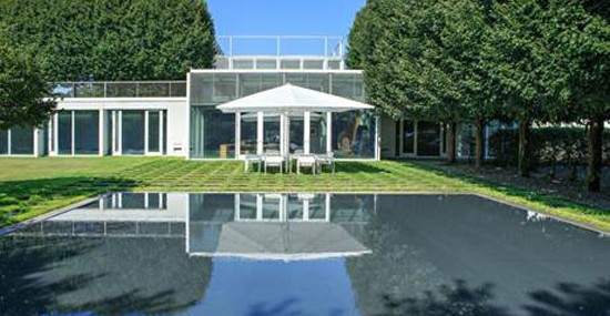 Taghkanic House – Iconic Glass Residence On Sale