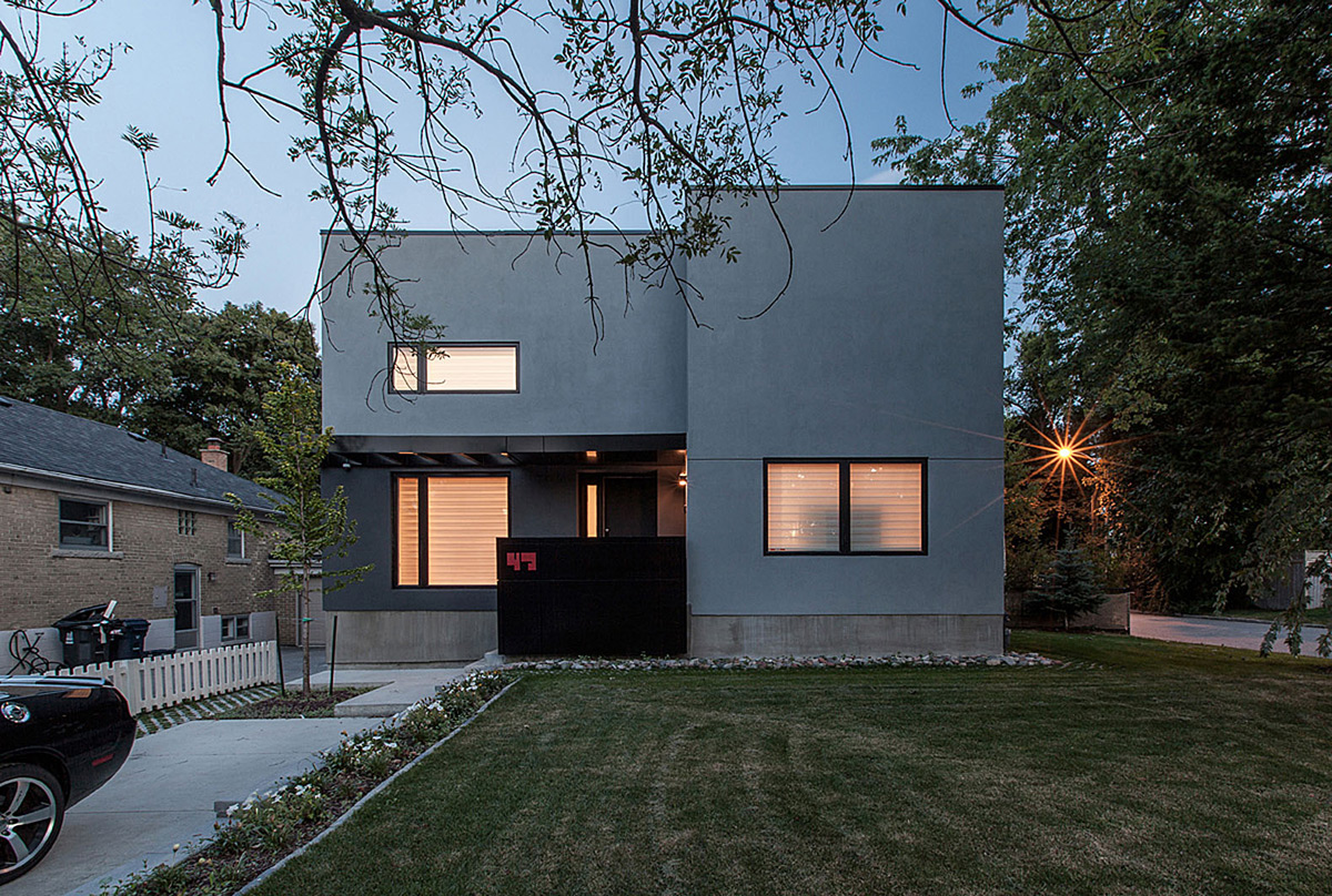 Minimalist Thorax House in Toronto
