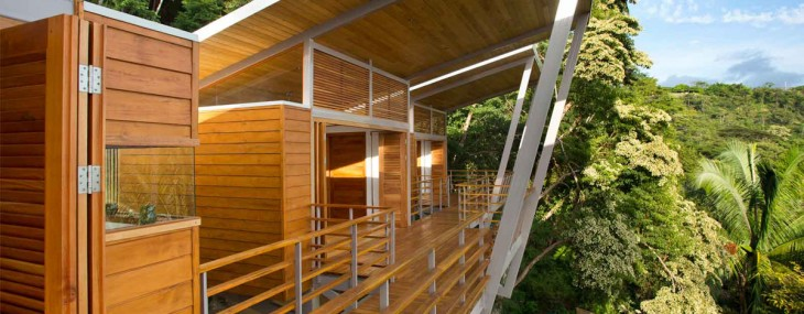 Casa Flotanta Floating House Above a Costa Rican Hillside