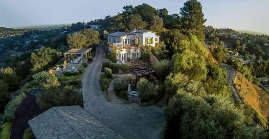 Eva Longoria Purchased Tom Cruise's Hollywood Hills Mansion For $11,4 Million