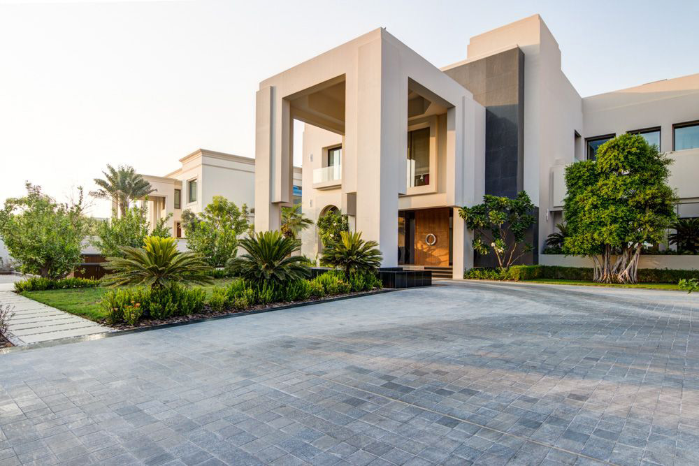 Exquisite Contemporary Villa In Emirates Hills