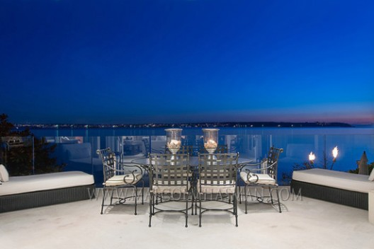 A Magnificent Waterfront Residence in West Vancouver Now offered at $13,880,000