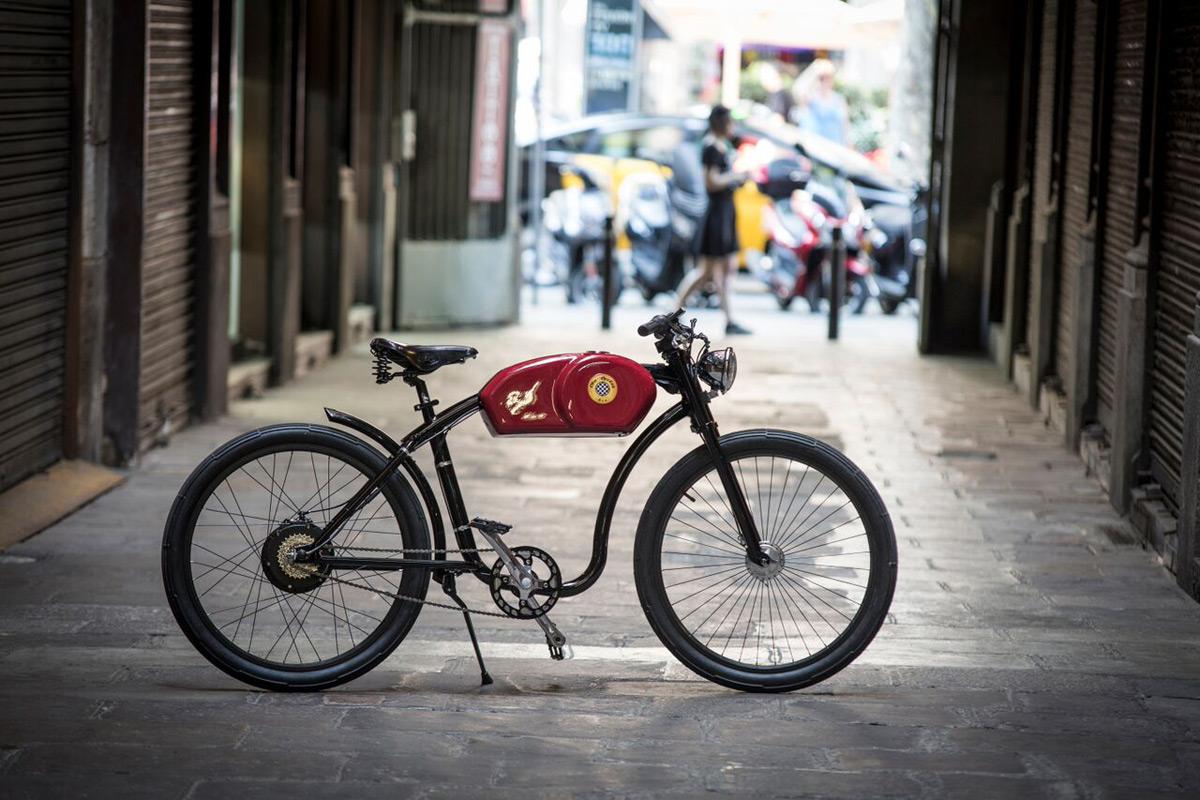 RaceR - Otocycles' New E-bike Inspired By Legendary Cafe Racer