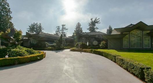 2.85-Acre South Surrey Ocean Bluff Estate Lists For $28.888-Million