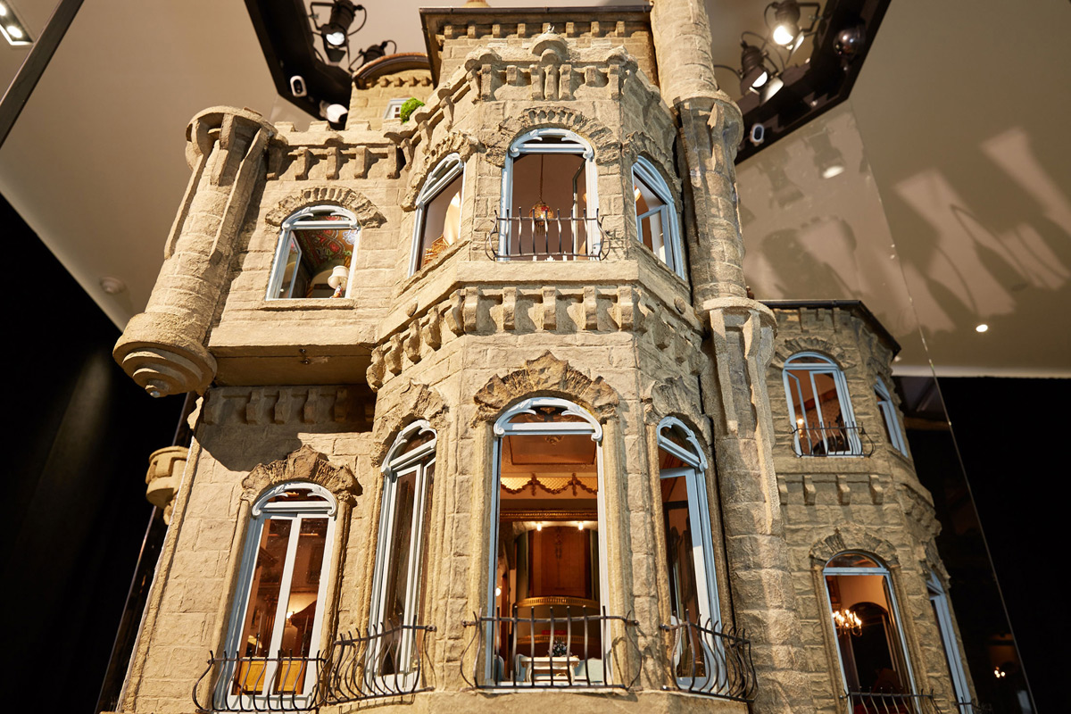 $8,5 million Astolat Dollhouse Castle