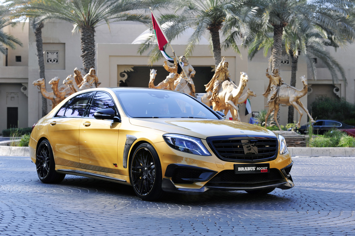 "World Premiere Of BRABUS ROCKET 900 ""DESERT GOLD"" Edition"