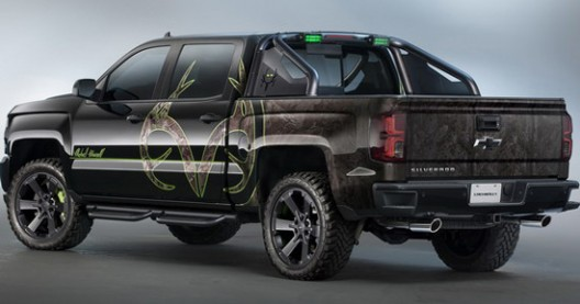 chevrolet silverado realtree bone collector for adventurers extravaganzi. Black Bedroom Furniture Sets. Home Design Ideas