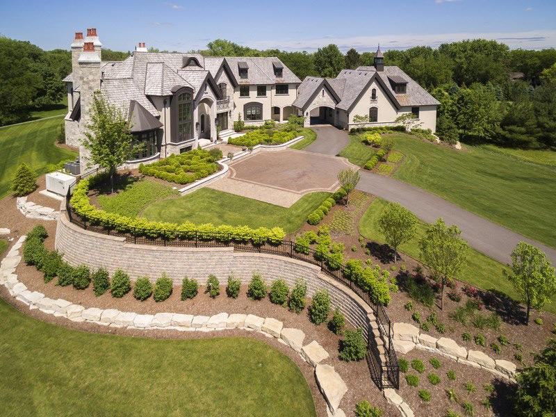 Elegant 21,000 Sq. Ft. Chicago-Area Residence Seeks $8.75-Million