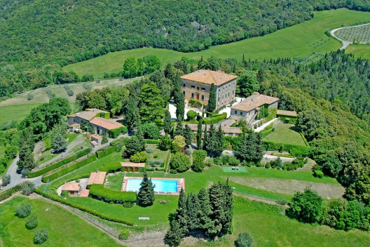 Exquisite Original 17th Century Italian Villa On Sale For €7,9 Million