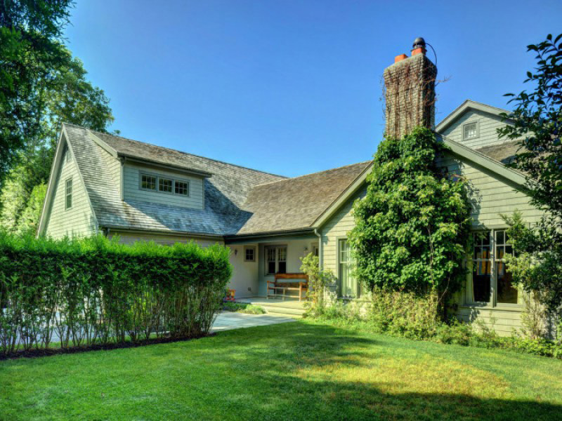 Naomi Watts' Hamptons Home Is Up For $5.85 Million