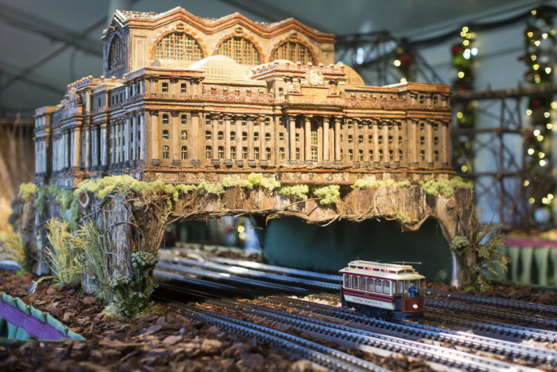 New york botanical garden celebrates 125th anniversary with special holiday train show for New york botanical gardens train show