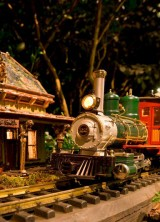 New York Botanical Garden Celebrates 125th Anniversary With Special Holiday Train Show