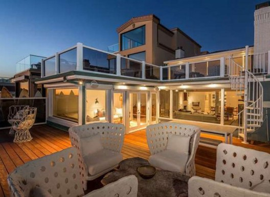 Judd Apatow's Beachfront Malibu Mansion On Sale For $12 Million