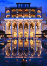Shangri La Hotel – Oasis Into the Heart of Abu Dhabi