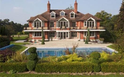 Tom Cruise Selling His West Sussex Home For £4.95 Million