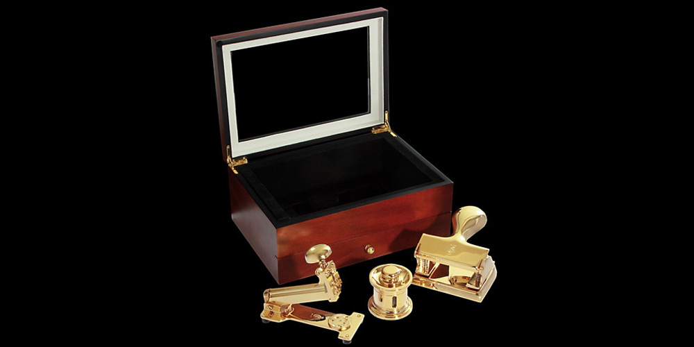 Goldgenie's Executive 24K Gold Desk