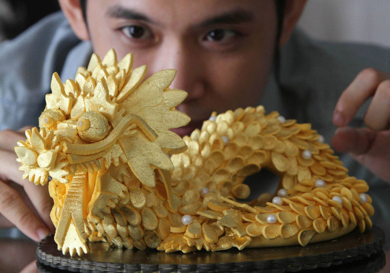 World's Most Expensive Sushi With Diamonds And Gold
