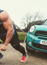 World's Strongest Marathon! Man Drags a Car 42 km