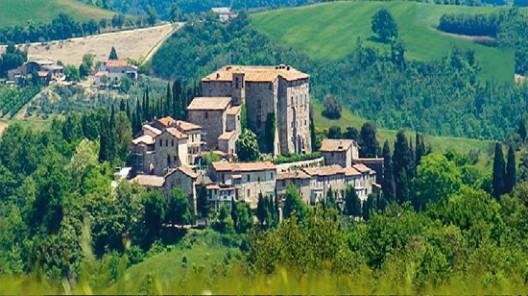 Castle di Sismano in Todi