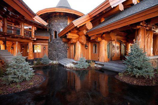 'Timber Kings' Log Mansion in Big White Reduced to $6.8 Million