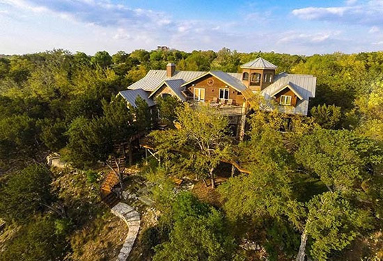 Lake Travis Waterfront Retreat