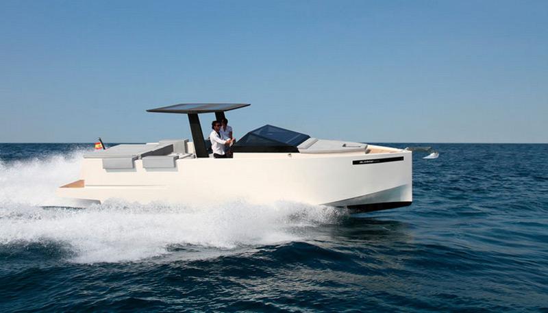 De Antonio Yachts's D33 Cruiser
