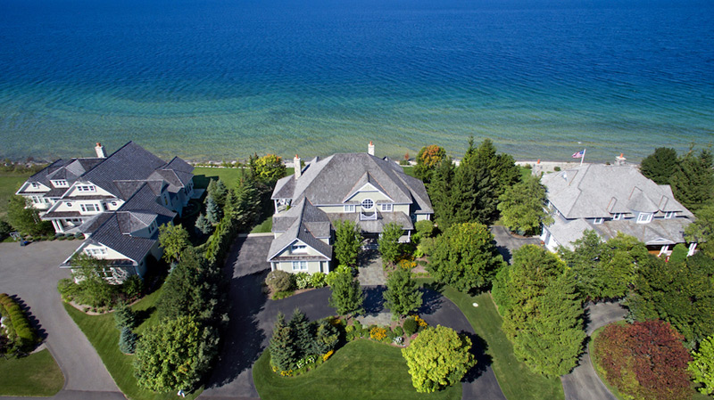 Lake Michigan's Magazine-Worthy Waterfront Home To Be Auctioned on June 28, 2016