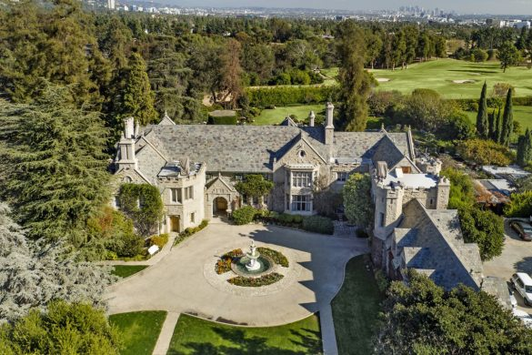 Playboy Mansion Has New Owner! It's Billionaire Twinkies Who Lives Next Door!
