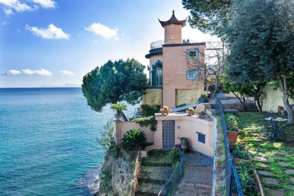 Villa La Pagoda In Naples On Sale For €4,9 Million