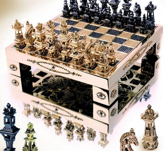 $370,000 Gold Chess Set With Diamonds