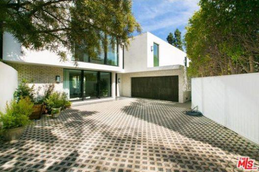 Kendall Jenner First Luxury Villa