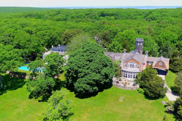 Christie Brinkley's Hamptons Estate On Sale For $30 Million