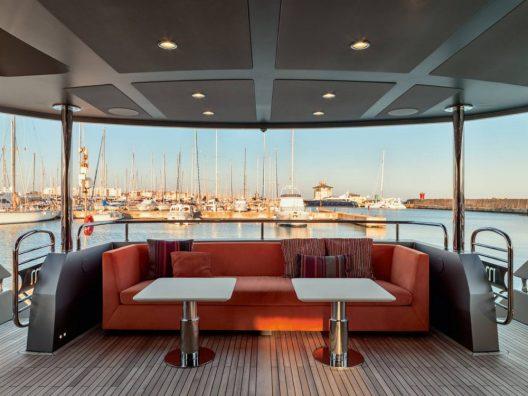 $6.1 Million Merrick - 28 - Meter Superyacht