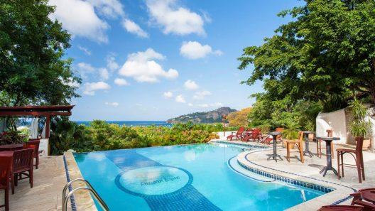 Pelican Eyes Hotel and Resort