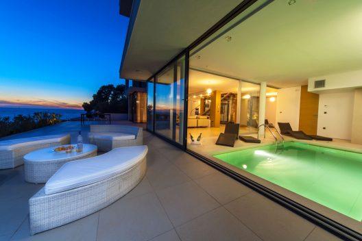 Villa Golden Rays